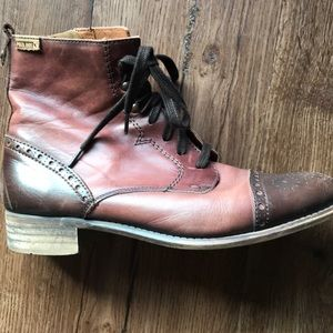 Beautiful Maroon Pikolinos boots